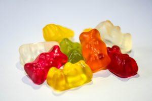 gummiberen en ander snoep zijn suikerbommen