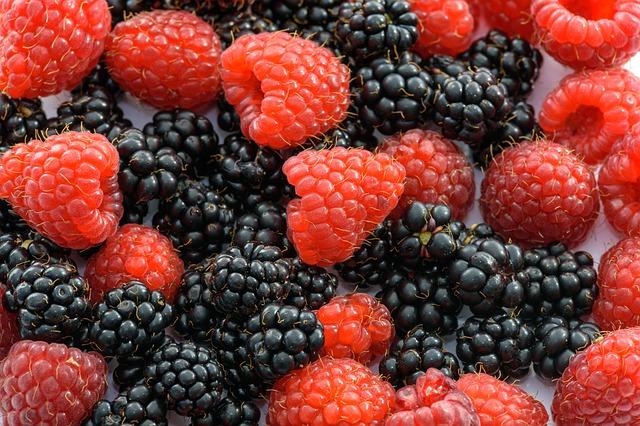 raspberries-1682028_640