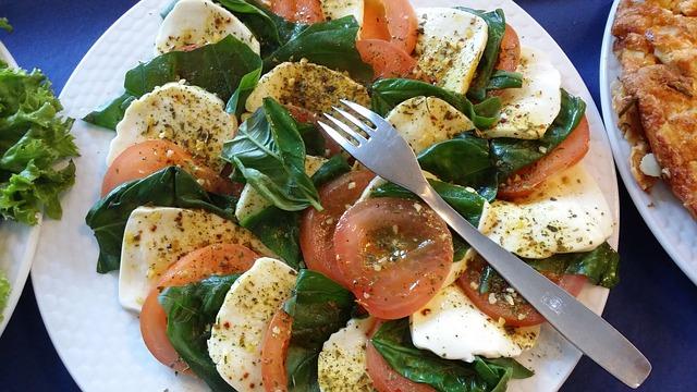 Gevoelig voor koolhydraten, een salade caprese bevat weinig koolhydraten