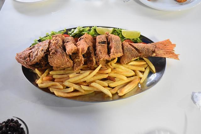patat met vis en groenten